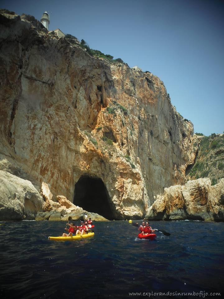 Entrada cova llop mari xabia kayak