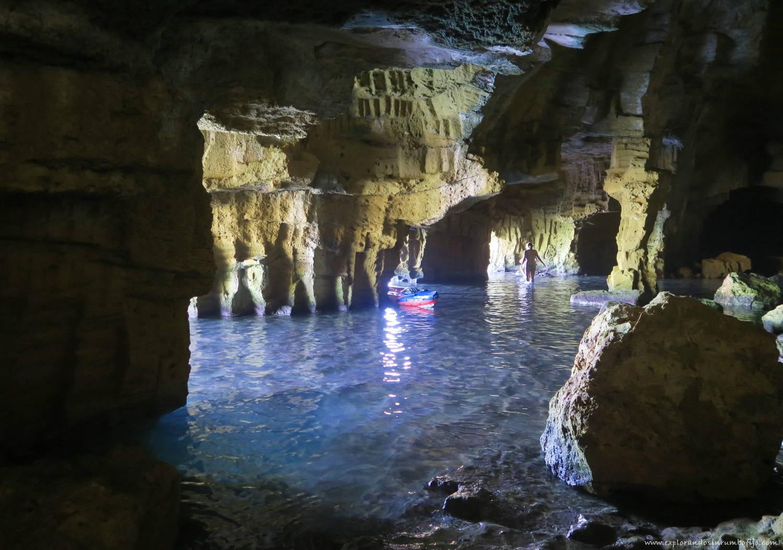 Dentro cueva tallada xabia
