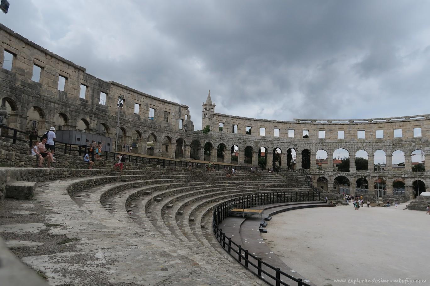 dentro anfiteatro Pula