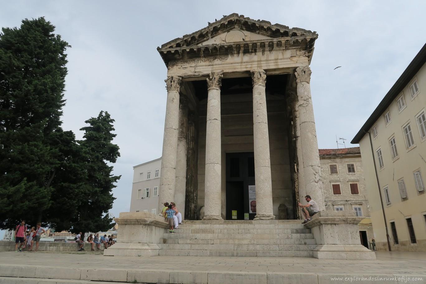 Templo Augusto Pula