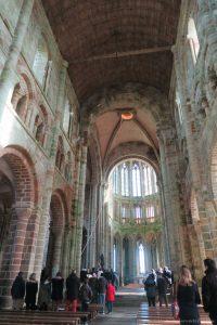 dentro abadía mont saint michel