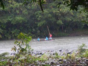 canoa rio puyo