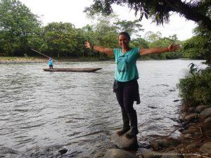 canoa río puyo ecuador
