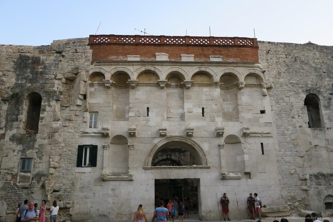 Puerta de Oro Palacio Diocleciano