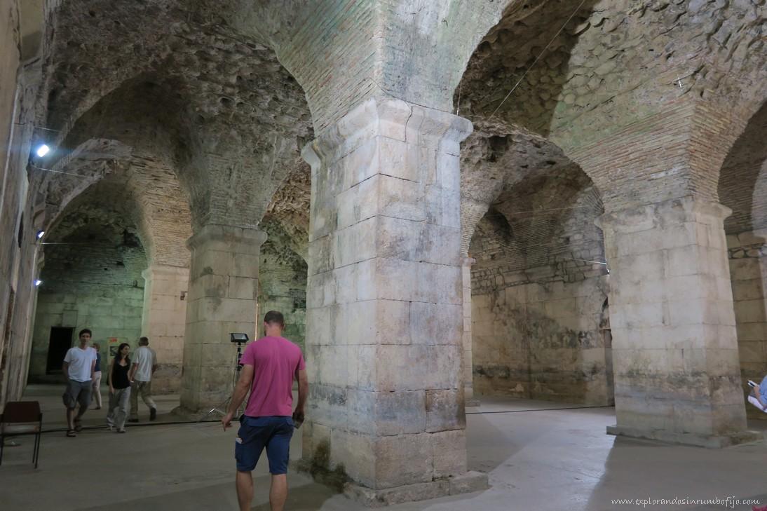 Catacumbas sótanos palacio diocleciano