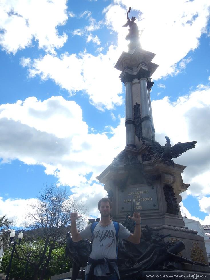 monumento independencia Quito
